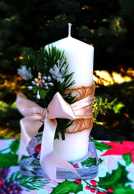 Рождественская свеча декорированная 02