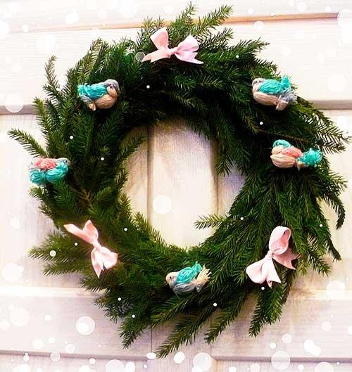 Рождественский венок с птичками